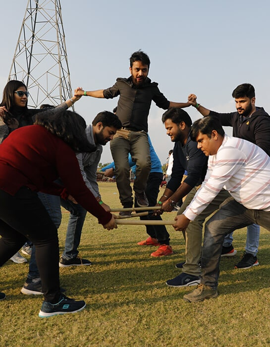 corporate day outing near delhi
